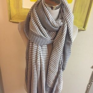 Lululemon scarf wrap approx 118 Inches Long Gray